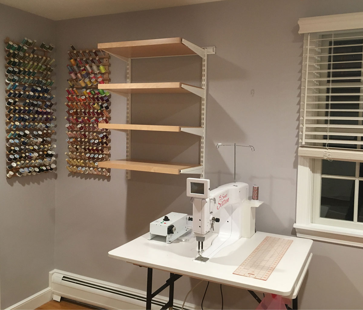 Hadi-Quilter Sweet 16 sewing machine